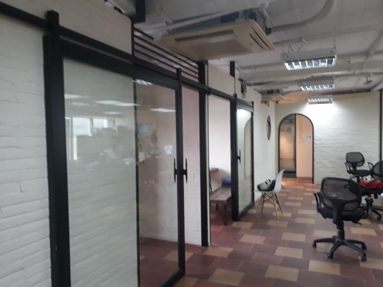 Thi công nội thất văn phòng 11.jpg